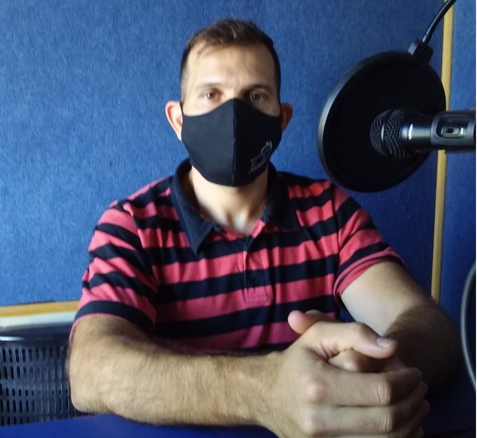 El  Ing. Claudio Olivieri visitó los estudios de La Voz