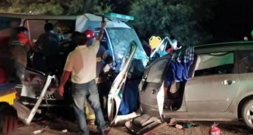 Seis muertos al chocar un auto y una ambulancia en La Rioja