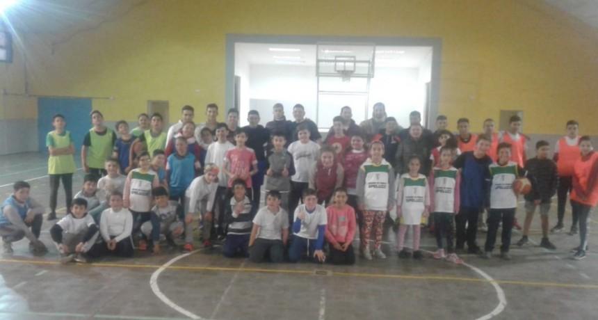 Encuentro de tres Escuelas de Básquet en Trenel