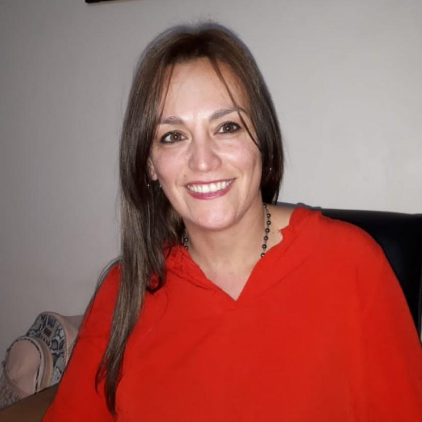 CAROLINA ALVAREZ GARCIA REPRESENTARÁ A LA PAMPA EN LA MARATÓN NACIONAL E INTERNACIONAL DE FOLKLORE EN SALTA.