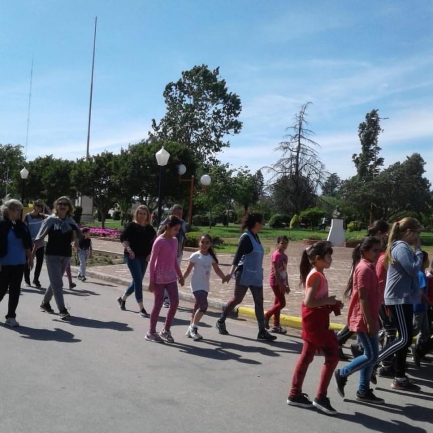 CORONEL HILARIO LAGOS  SE REALIZÓ FERIA ESCOLAR DE EDUCACIÓN FÍSICA